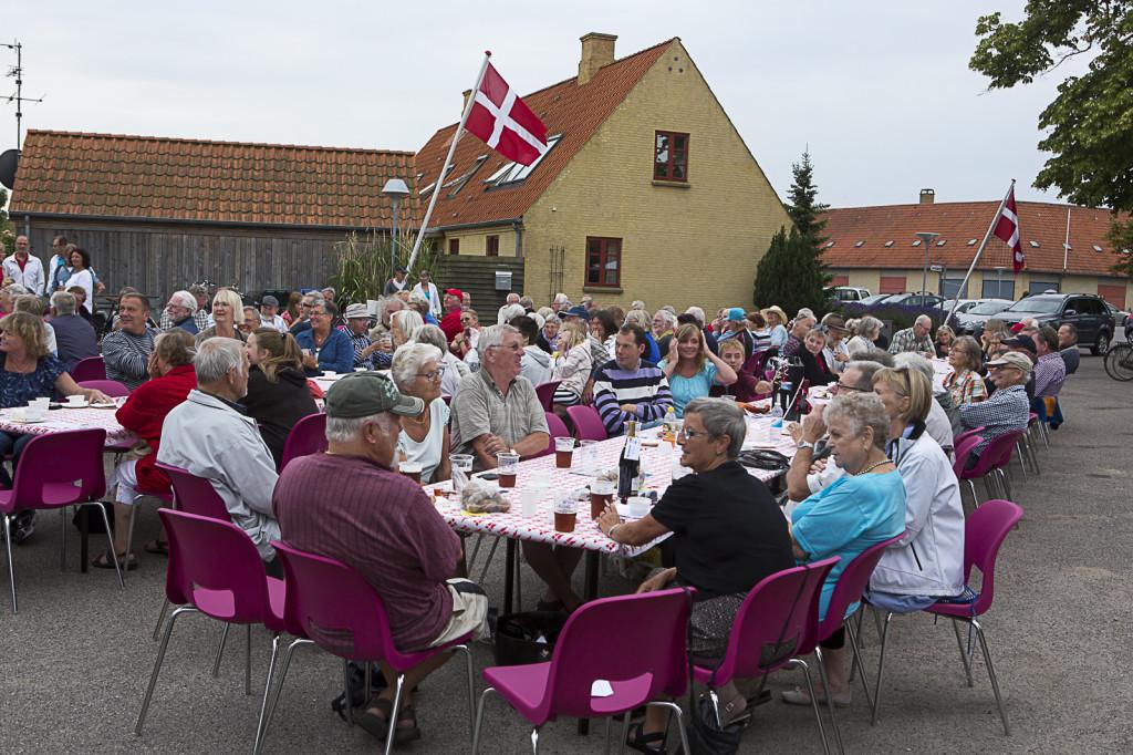 Morgenbord på Torvet i Rørvig